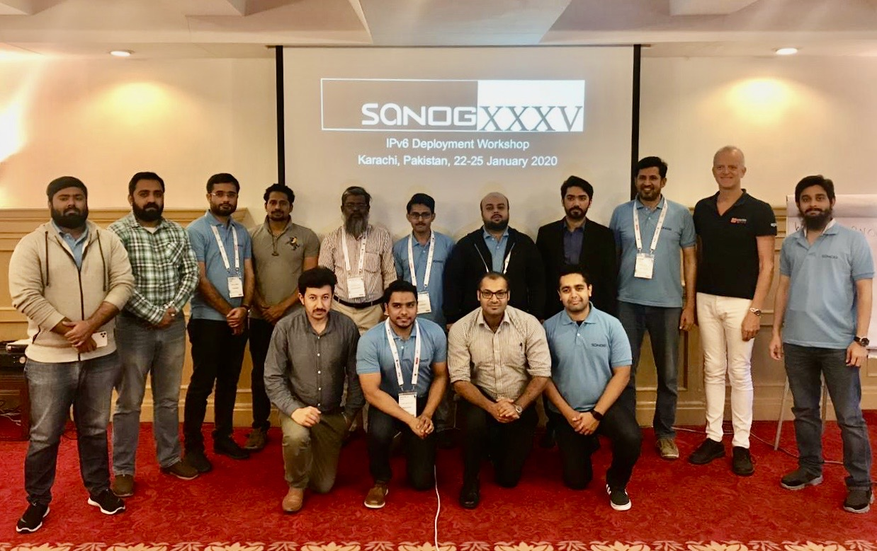 training:sanog35:group-photo.jpg